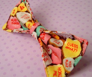 candy hearts, Valentine's Day, and hair bow image