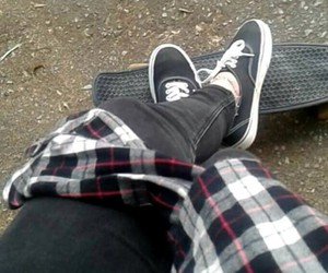 black, cruiser, and flannel image