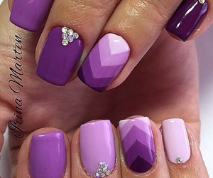 girls, hands, and manicure image