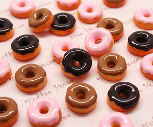 donuts, pink, and cute image