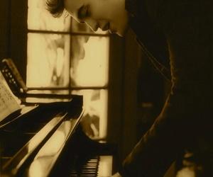 robert pattinson, piano, and twilight image