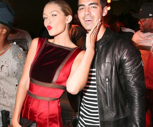 Joe Jonas, gigi hadid, and couple image