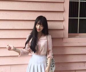 ulzzang, pink, and korean image