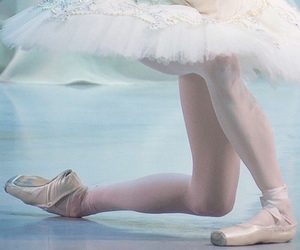 ballet, legs, and royal ballet image