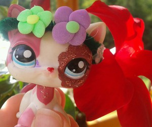 flower, flowers, and littlest pet shop image
