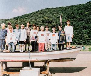 Seventeen and 17 image