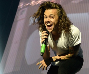 Harry Styles, one direction, and on the road again image