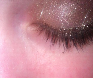 shimmer, eyeshadow, and sparkle image