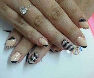 stiletto nails, 😍, and 💋 image