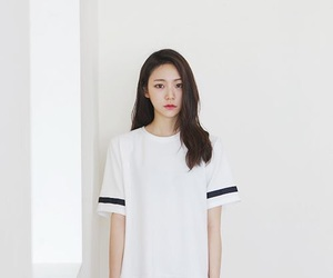 fashion, black and white, and korean image