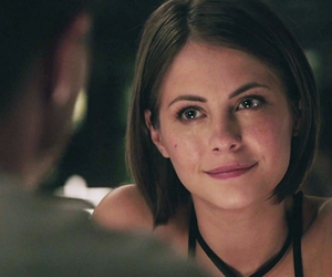 actress, arrow, and willa holland image