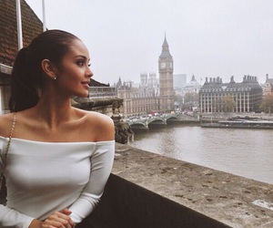 girl, london, and beauty image