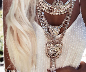 argent, bijoux, and chic image