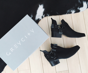 fall fashion, fashion blogger, and shoe porn image
