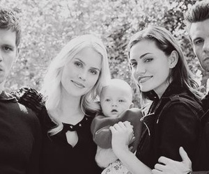 klaus, hayley, and hope image