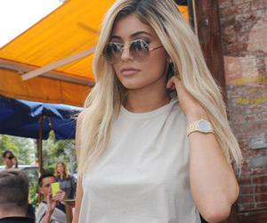 fashion, lips, and kylie jenner body image