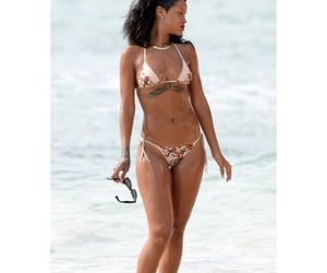 rih, rihanna, and body goals image