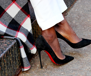 fashion, street style, and black pumps image