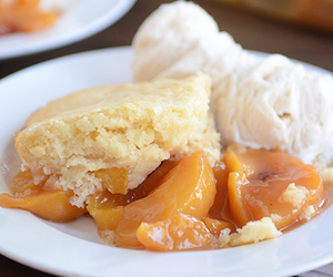 cobbler and peach image