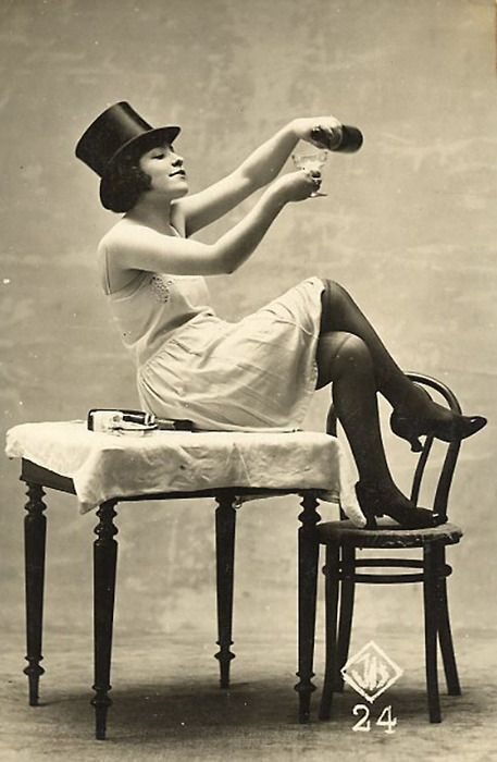 black and white, vintage, and top hat image