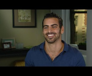 entertainment tonight and nyle dimarco image