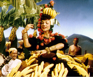 bananas, brasileira, and cantora image