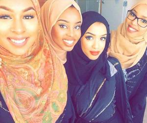 hijab, somali, and muslima image