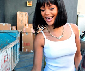 rihanna, smile, and riri image
