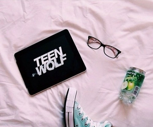 teen wolf, converse, and glasses image