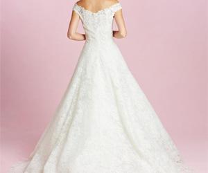 bride, dress, and oscar de la renta image