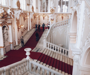 chic, winter palace, and red+carpet image