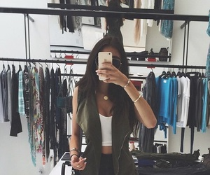 madison beer and clothes image