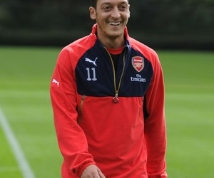 Arsenal, training, and mesut oezil image