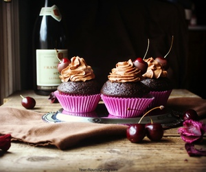 cupcake, delicious, and chocolate image