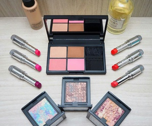 makeup, chanel, and comment image