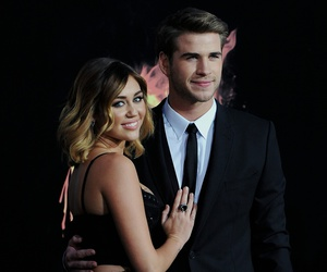 couple, miley cyrus, and premiere image