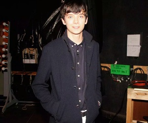 blue eyes, cool, and asa butterfield image