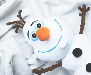 frozen, nieve, and olaf image