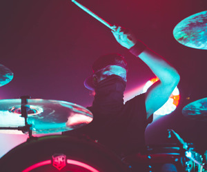 twenty one pilots, drums, and music image