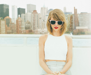 Taylor Swift, 1989, and singer image