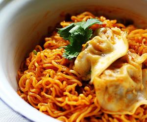 food, noodle, and ramen image