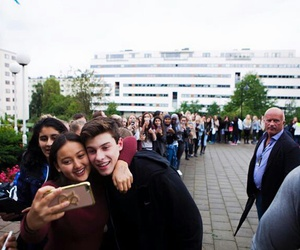 fans and shawn mendes image