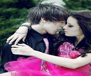 couple, wallpaper, and kissing image