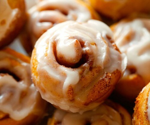 food, cinnamon roll, and delicious image