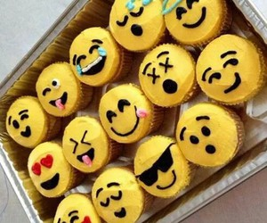 cupcakes, love, and food image