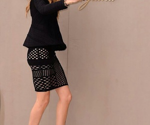 model, cara delevingne, and Burberry image