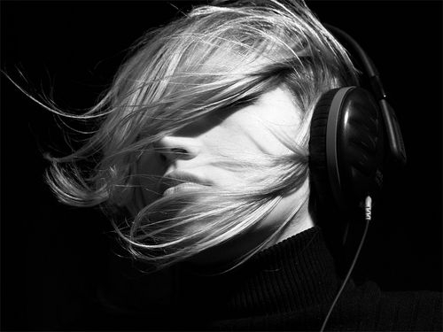 music, black and white, and wind image