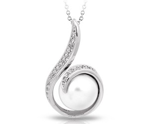 jewelry, pearl, and pendant image