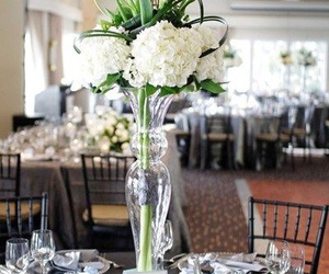 calla lilies, centerpiece, and hydrangeas image