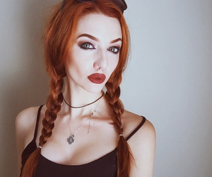 alt girl, bodymods, and dyed hair image
